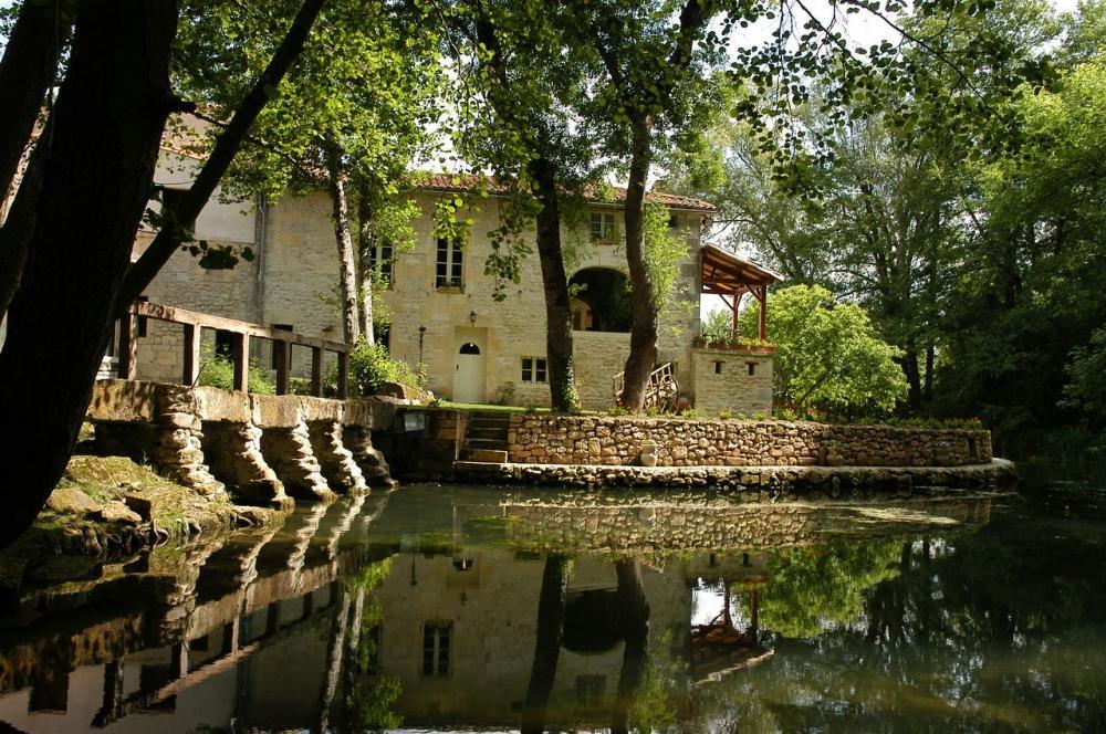 H tel restaurant mosnac le moulin du val de seugne - Le port du moulin champtoceaux ...